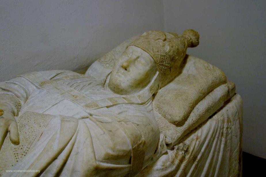 boniface Tomb of Boniface VIII-sarcophagus-Grottoes